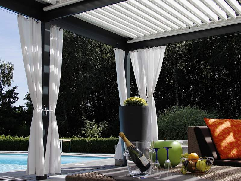 pergola avec rideau coulissant id es de conception sont int ressants votre d cor. Black Bedroom Furniture Sets. Home Design Ideas